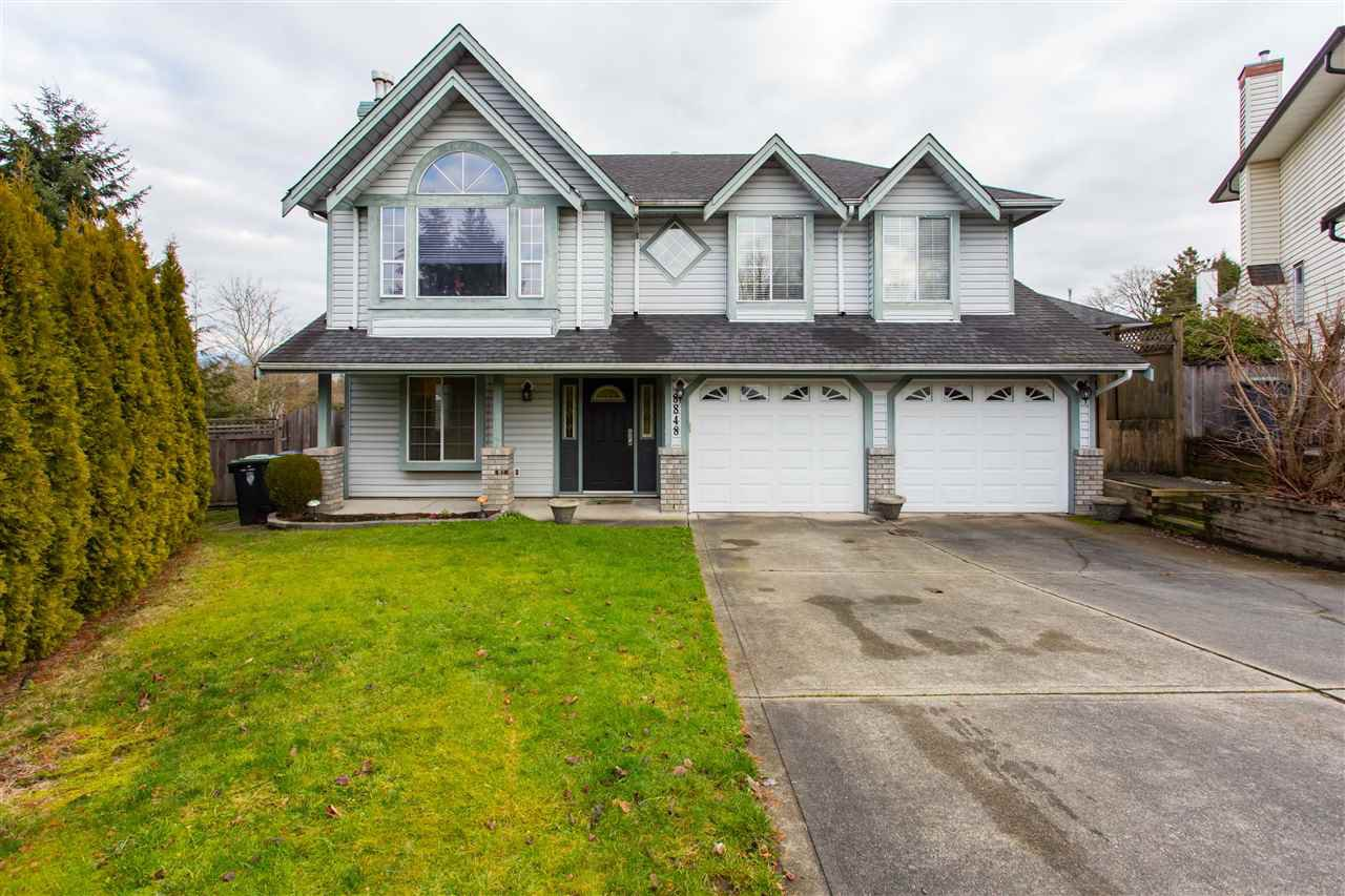 Main Photo: 8848 212A Street in Langley: Walnut Grove House for sale : MLS®# R2333206