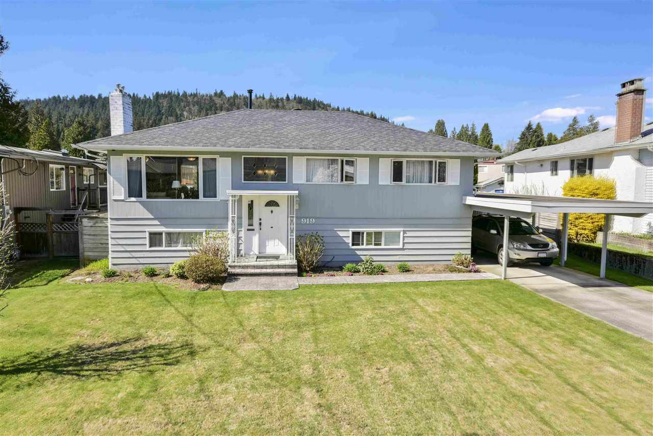 "Main Photo: 919 DUNDONALD Drive in Port Moody: Glenayre House for sale in ""Glenayre"" : MLS®# R2353817"