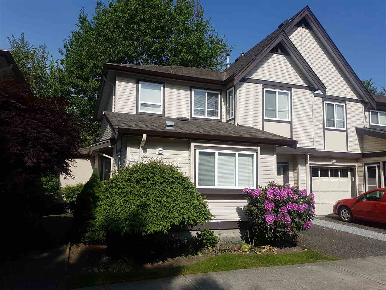 "Main Photo: 41 21801 DEWDNEY TRUNK Road in Maple Ridge: West Central Townhouse for sale in ""SHERWOOD PARK"" : MLS®# R2369478"
