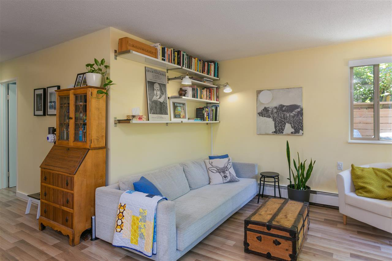 "Photo 5: Photos: 101 2480 W 3RD Avenue in Vancouver: Kitsilano Condo for sale in ""Westvale"" (Vancouver West)  : MLS®# R2405480"