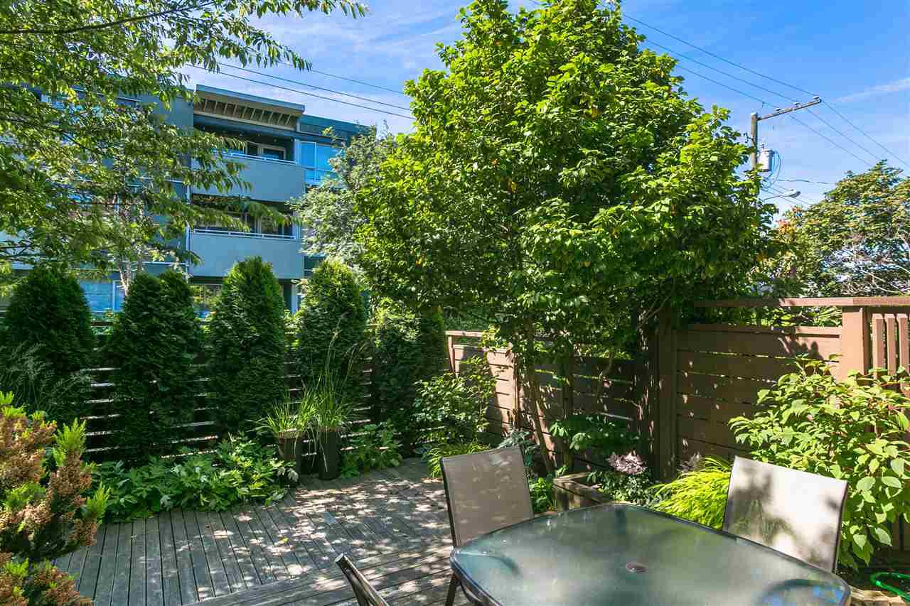 "Photo 3: Photos: 101 2480 W 3RD Avenue in Vancouver: Kitsilano Condo for sale in ""Westvale"" (Vancouver West)  : MLS®# R2405480"