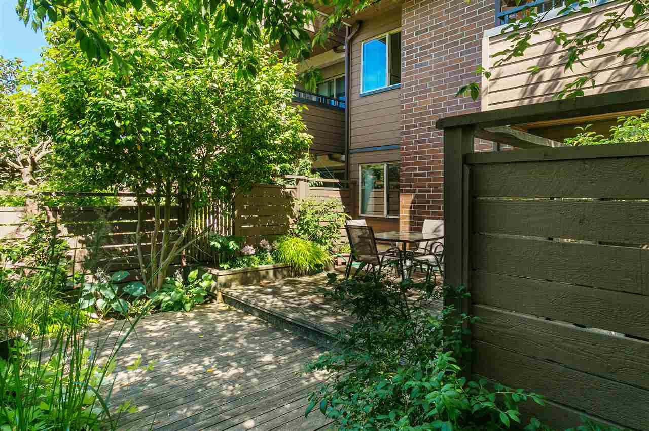 "Photo 2: Photos: 101 2480 W 3RD Avenue in Vancouver: Kitsilano Condo for sale in ""Westvale"" (Vancouver West)  : MLS®# R2405480"