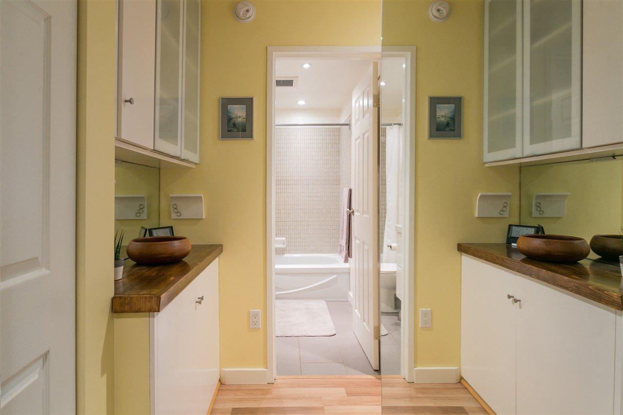"Photo 13: Photos: 101 2480 W 3RD Avenue in Vancouver: Kitsilano Condo for sale in ""Westvale"" (Vancouver West)  : MLS®# R2405480"