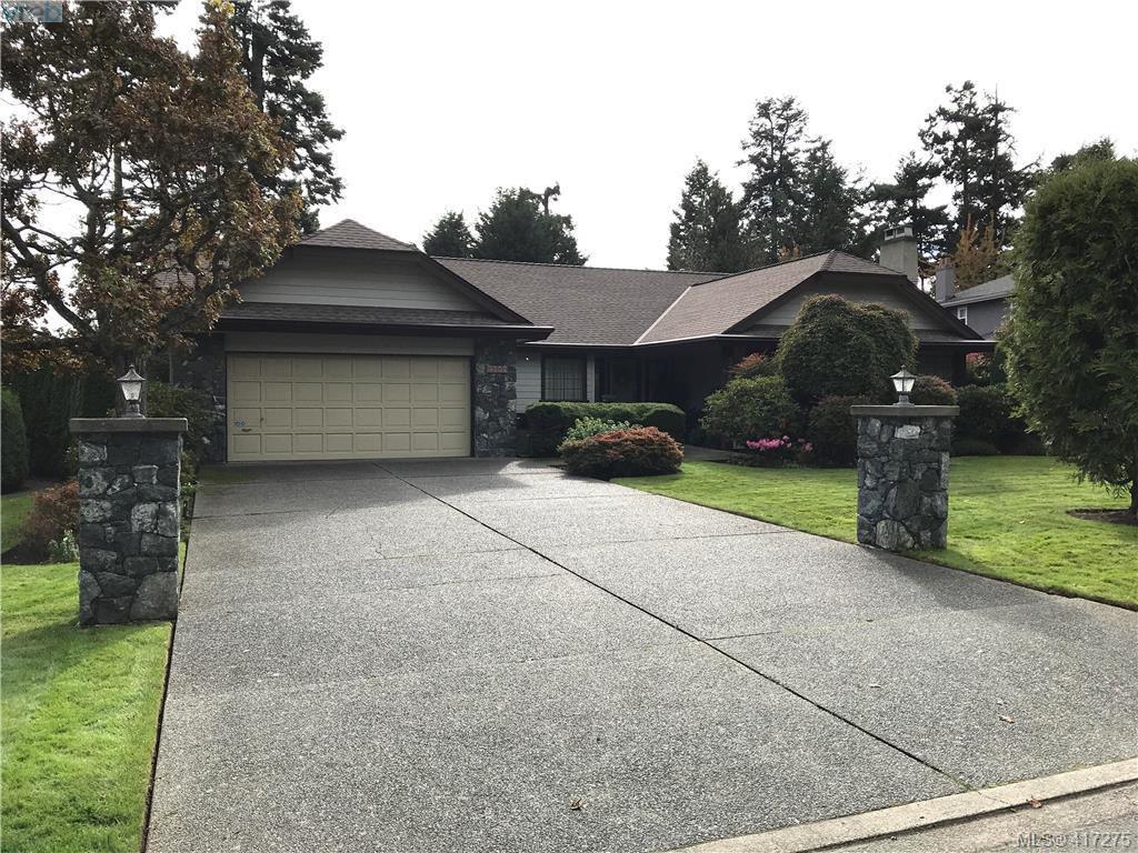 Main Photo: 3357 University Woods in VICTORIA: OB Henderson Single Family Detached for sale (Oak Bay)  : MLS®# 417275