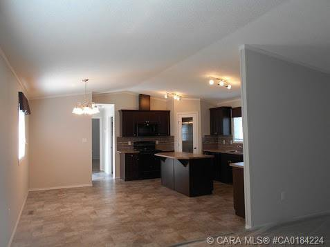 Photo 18: Photos: 9 Manitoba Avenue in Sunnyslope: Residential for sale : MLS®# CA0184224