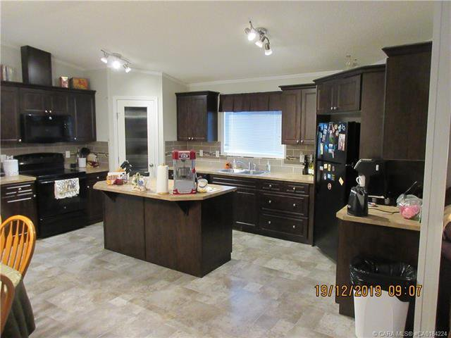 Photo 4: Photos: 9 Manitoba Avenue in Sunnyslope: Residential for sale : MLS®# CA0184224