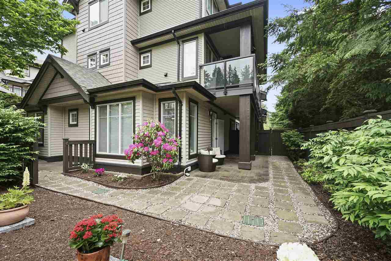 """Main Photo: 201 7000 21ST Avenue in Burnaby: Highgate Townhouse for sale in """"Villeta"""" (Burnaby South)  : MLS®# R2457924"""