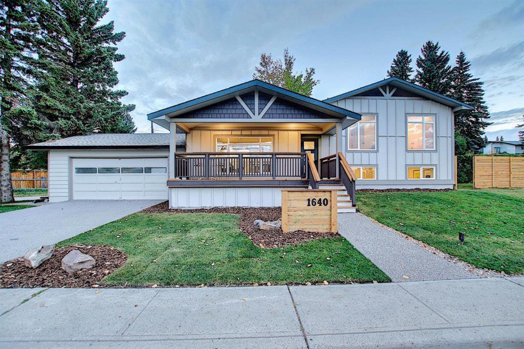 Main Photo: 1640 31 Avenue NW in Calgary: Collingwood Detached for sale : MLS®# A1037540
