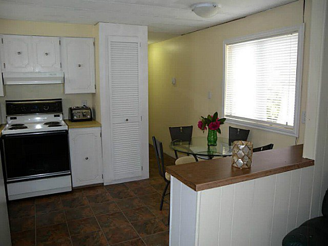 "Photo 3: Photos: 97 9950 WILSON Street in Mission: Stave Falls Manufactured Home for sale in ""RUSKIN PLACE"" : MLS®# F1415221"