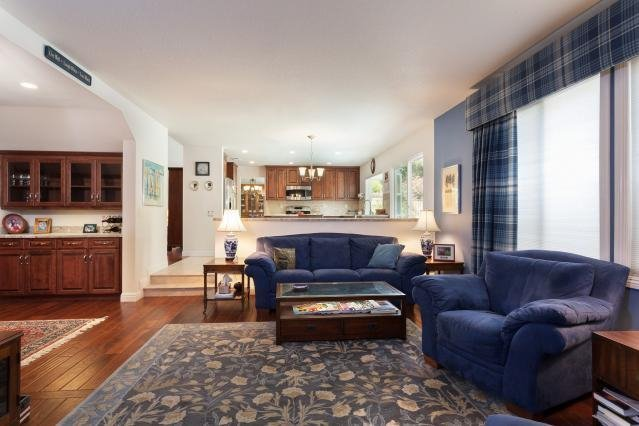 Photo 10: Photos: VISTA House for sale : 4 bedrooms : 1146 Countrywood Lane