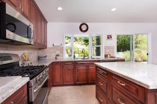 Photo 7: Photos: VISTA House for sale : 4 bedrooms : 1146 Countrywood Lane