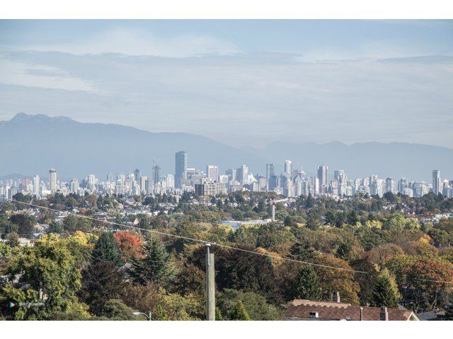 """Main Photo: 3641 W 15TH Avenue in Vancouver: Point Grey House for sale in """"POINT GREY"""" (Vancouver West)  : MLS®# V1090519"""