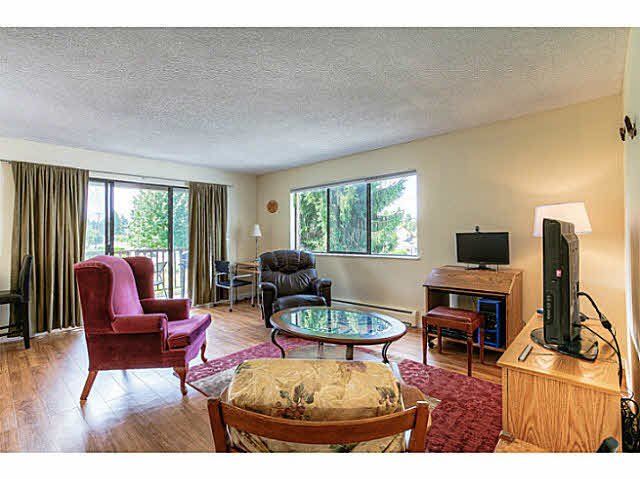 Main Photo: 204 12170 222ND Street in Maple Ridge: West Central Condo for sale : MLS®# V1131313