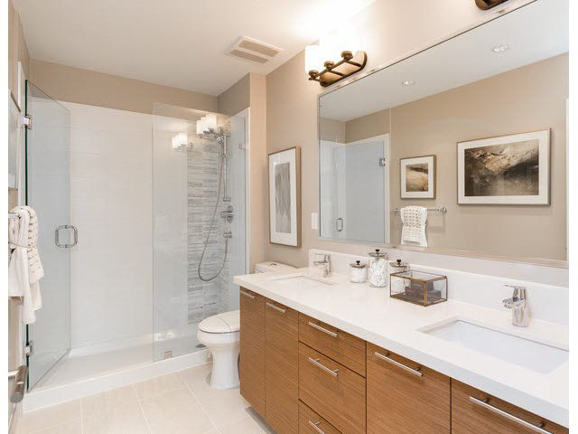 """Photo 13: Photos: 303 15188 29A Avenue in Surrey: King George Corridor Condo for sale in """"South Point Walk"""" (South Surrey White Rock)  : MLS®# R2013581"""
