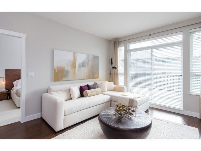 """Photo 5: Photos: 303 15188 29A Avenue in Surrey: King George Corridor Condo for sale in """"South Point Walk"""" (South Surrey White Rock)  : MLS®# R2013581"""