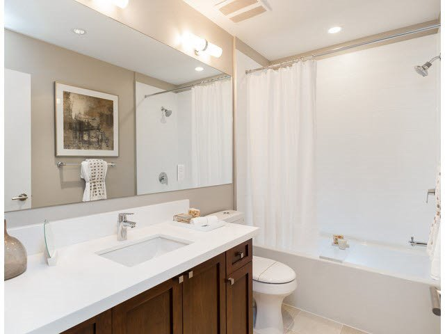 """Photo 14: Photos: 303 15188 29A Avenue in Surrey: King George Corridor Condo for sale in """"South Point Walk"""" (South Surrey White Rock)  : MLS®# R2013581"""