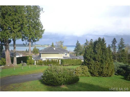 Main Photo: 3094 Island View Rd in SAANICHTON: CS Island View House for sale (Central Saanich)  : MLS®# 724824