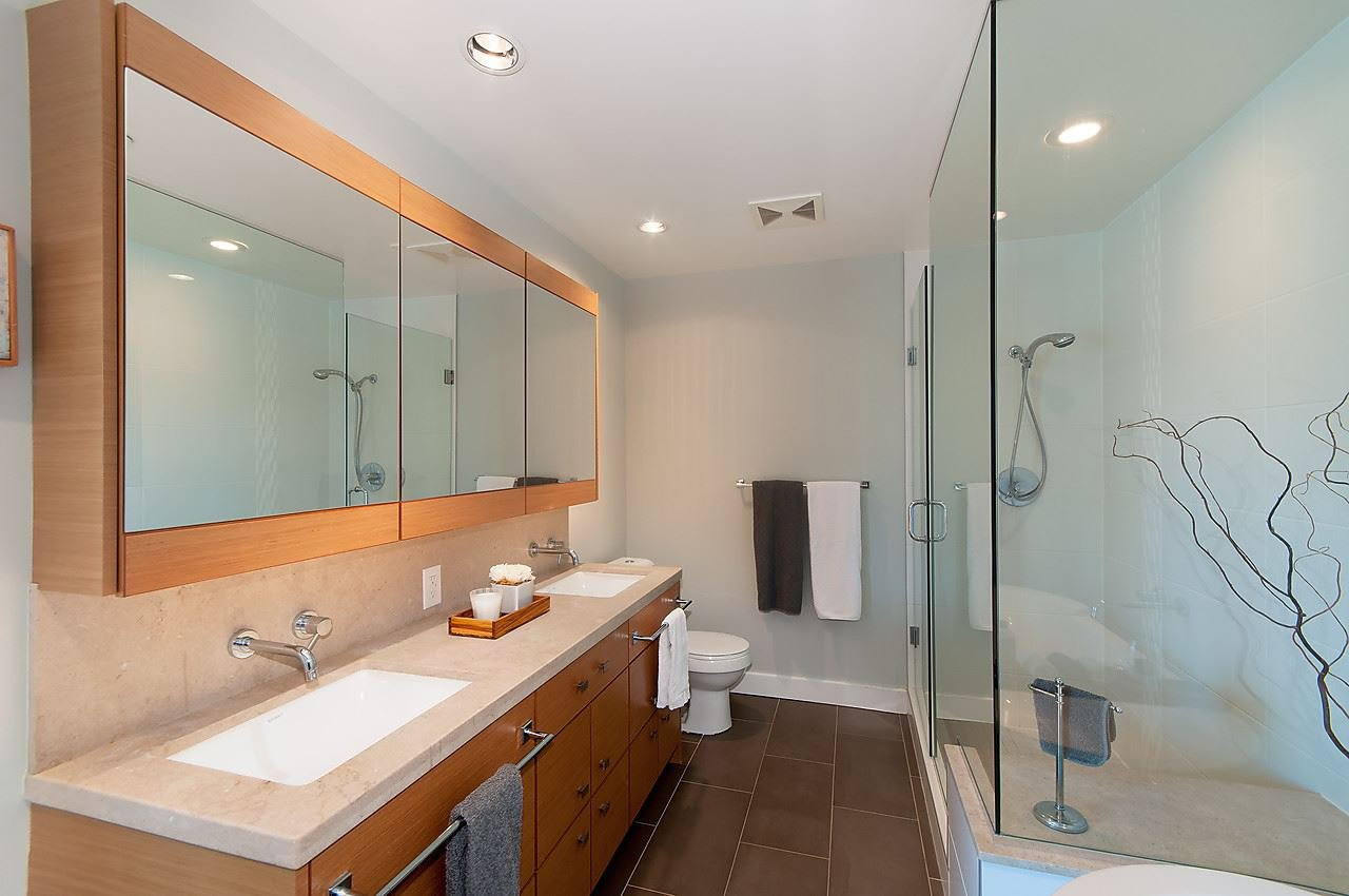 """Photo 12: Photos: 1501 1277 MELVILLE Street in Vancouver: Coal Harbour Condo for sale in """"FLATIRON"""" (Vancouver West)  : MLS®# R2066821"""