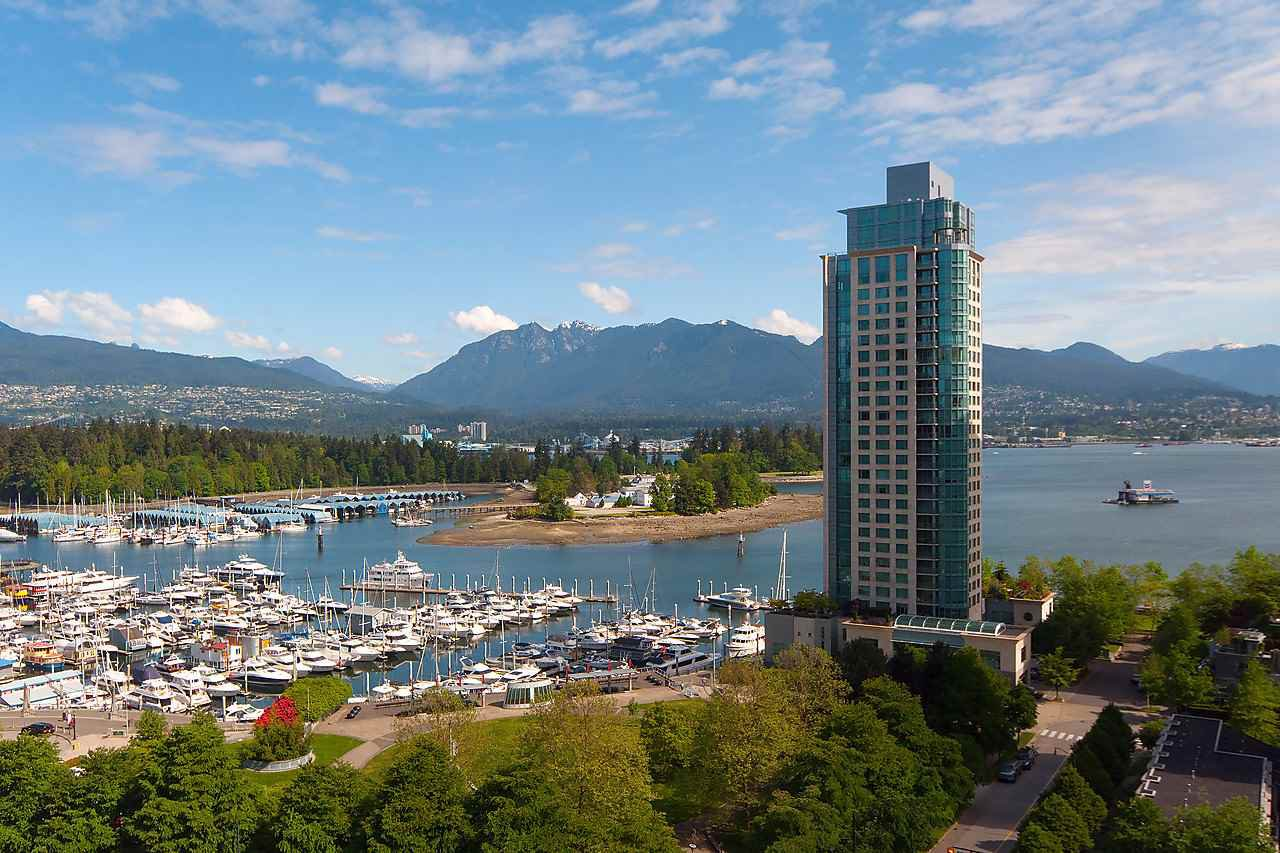 """Photo 18: Photos: 1501 1277 MELVILLE Street in Vancouver: Coal Harbour Condo for sale in """"FLATIRON"""" (Vancouver West)  : MLS®# R2066821"""