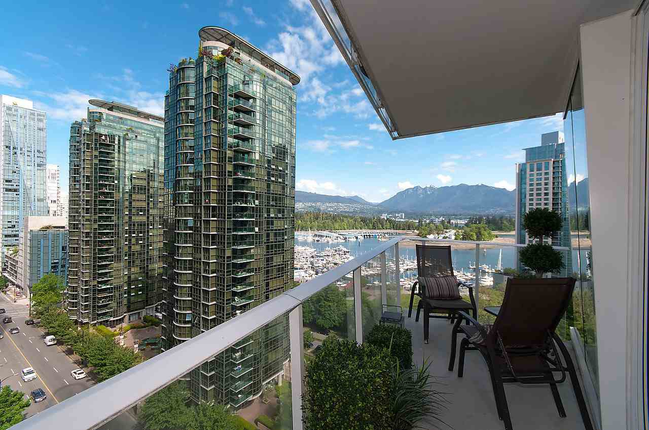 """Photo 17: Photos: 1501 1277 MELVILLE Street in Vancouver: Coal Harbour Condo for sale in """"FLATIRON"""" (Vancouver West)  : MLS®# R2066821"""