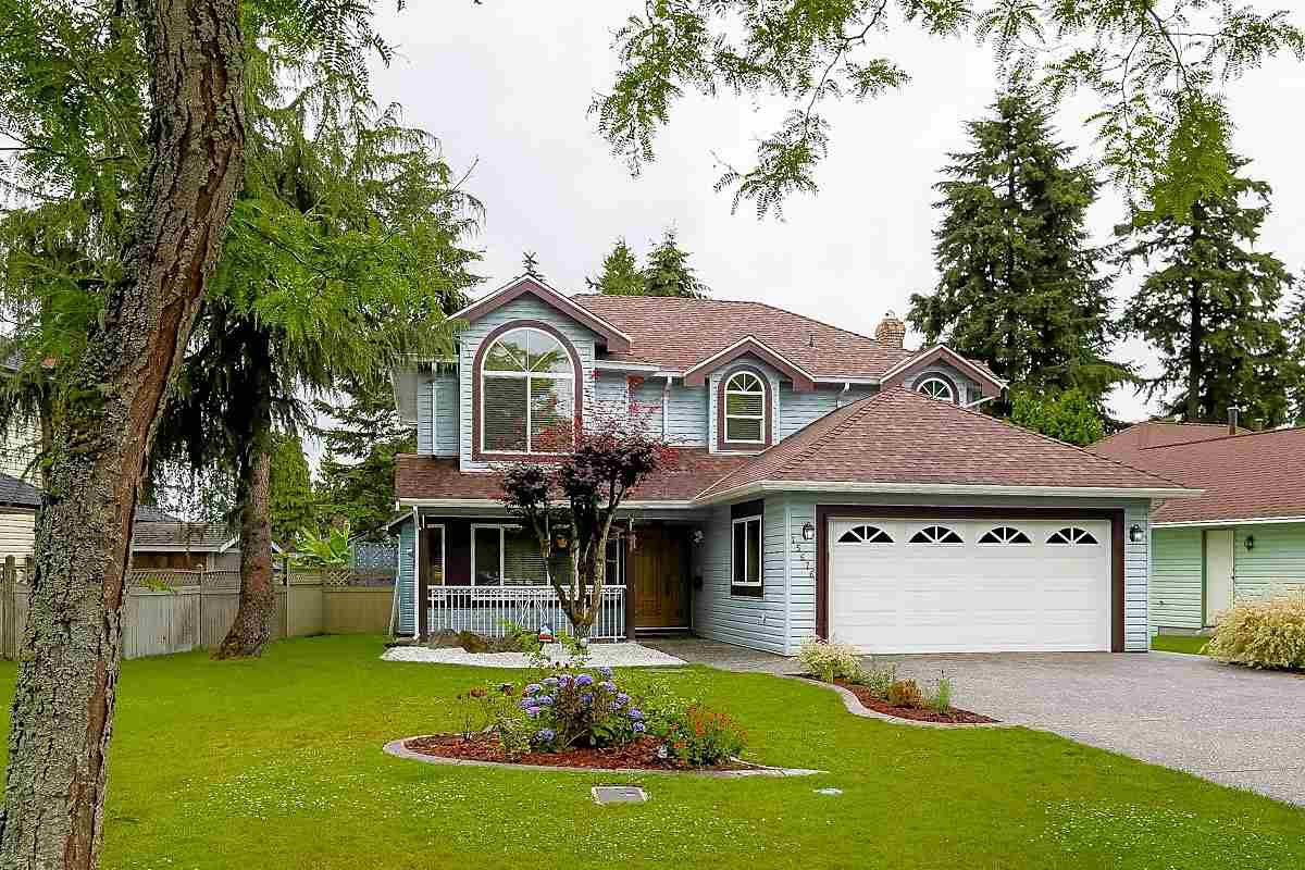 "Main Photo: 15676 84A Avenue in Surrey: Fleetwood Tynehead House for sale in ""FLEETWOOD"" : MLS®# R2090516"