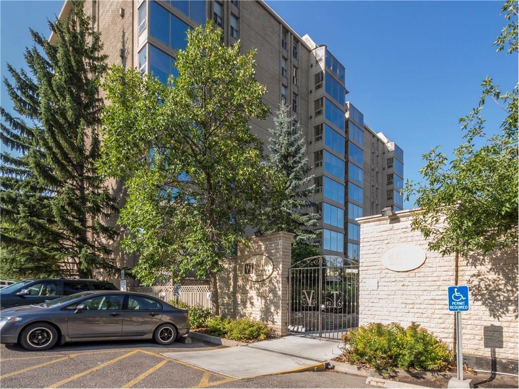 Main Photo: 103 4555 VARSITY Lane NW in Calgary: Varsity Condo for sale : MLS®# C4132488