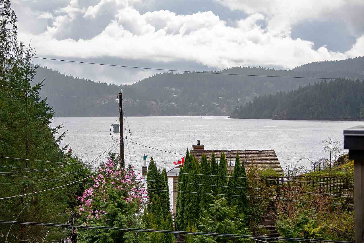 Main Photo: 5581 INDIAN RIVER Drive in North Vancouver: Woodlands-Sunshine-Cascade House for sale : MLS®# R2257797