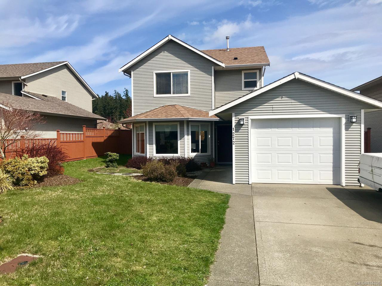 Main Photo: 1272 CROWN PLACE in COMOX: CV Comox (Town of) House for sale (Comox Valley)  : MLS®# 784338