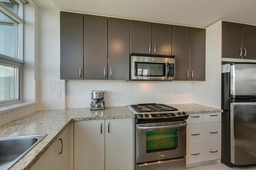 """Photo 10: Photos: 1103 9188 UNIVERSITY Crescent in Burnaby: Simon Fraser Univer. Condo for sale in """"ALTAIRE"""" (Burnaby North)  : MLS®# R2288582"""