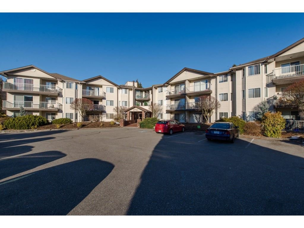 "Main Photo: 208 2780 WARE Street in Abbotsford: Central Abbotsford Condo for sale in ""Chelsea House"" : MLS®# R2342656"