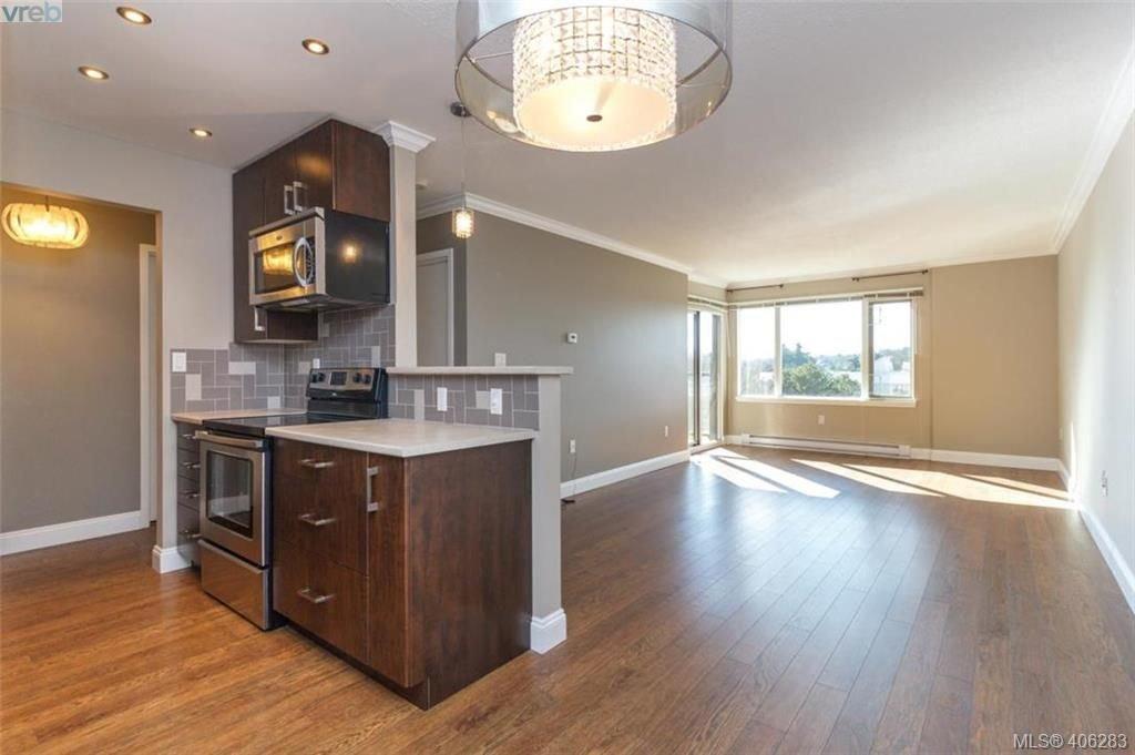 Main Photo: 307 103 E Gorge Rd in VICTORIA: Vi Burnside Condo Apartment for sale (Victoria)  : MLS®# 807413