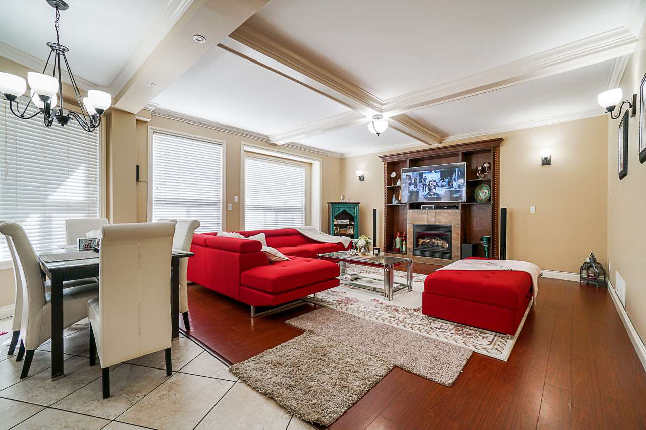 Main Photo: 14556 76A Avenue in Surrey: East Newton House for sale : MLS®# R2491202