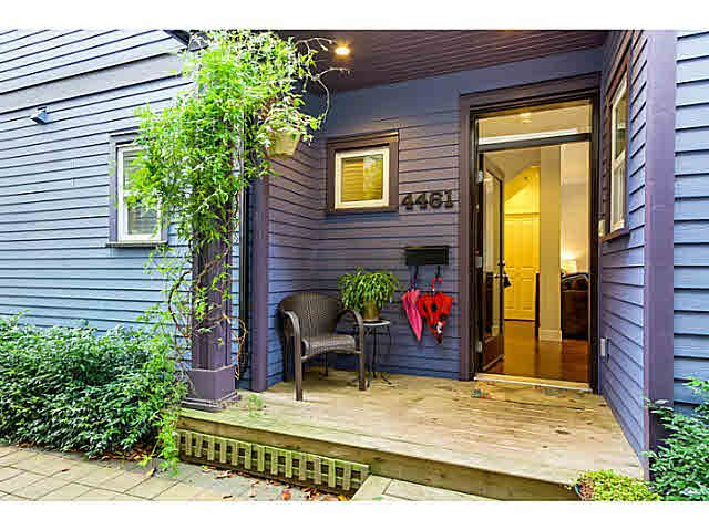 """Main Photo: 4461 WELWYN Street in Vancouver: Victoria VE Townhouse for sale in """"Welwyn Mews"""" (Vancouver East)  : MLS®# V1091780"""