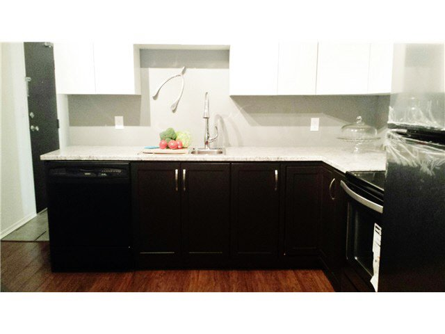 """Main Photo: 301 10626 151A Street in Surrey: Guildford Condo for sale in """"LINCOLN HILL"""" (North Surrey)  : MLS®# F1444565"""