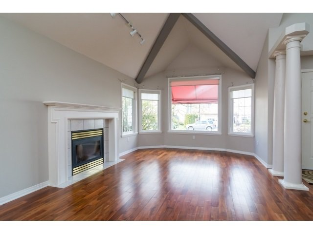 Photo 3: Photos: 20534 122B Avenue in Maple Ridge: Northwest Maple Ridge House for sale : MLS®# R2049601