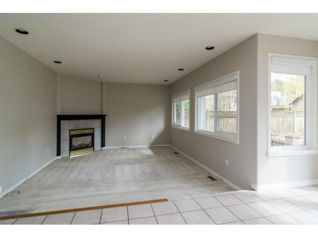 Photo 8: Photos: 20534 122B Avenue in Maple Ridge: Northwest Maple Ridge House for sale : MLS®# R2049601