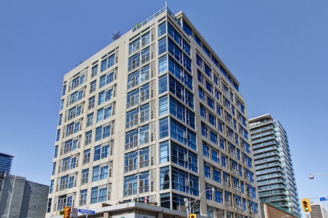 Main Photo: 306 8 Wellesley Street in Toronto: Church-Yonge Corridor Condo for sale (Toronto C08)  : MLS®# C3748305
