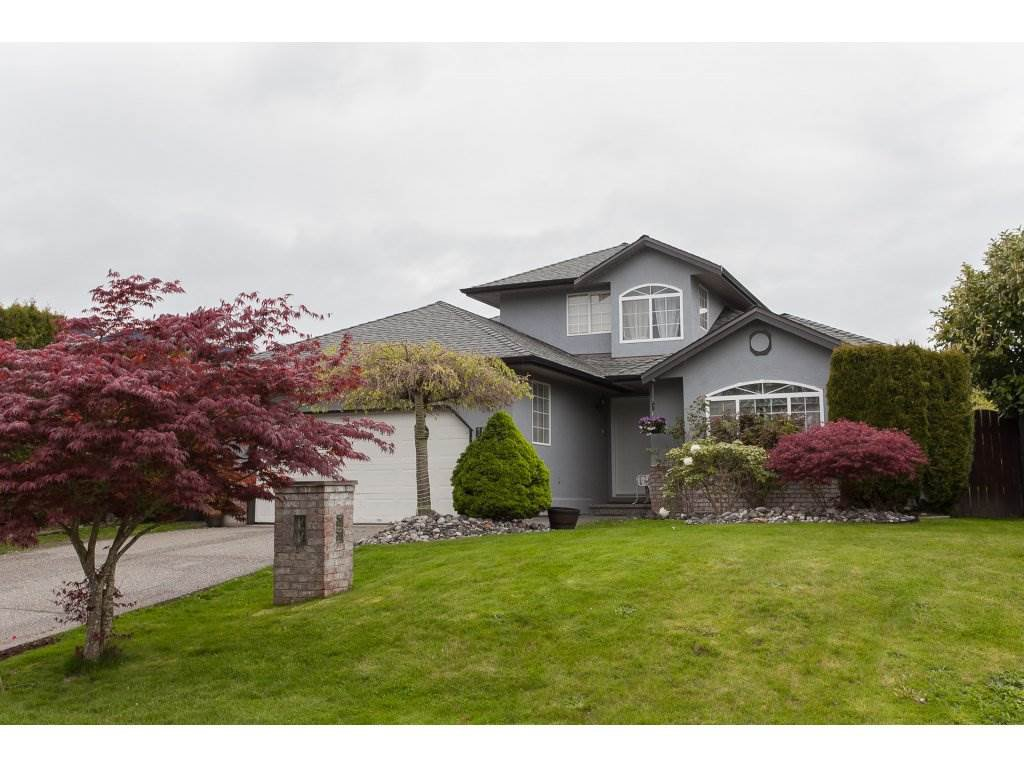 Main Photo: 18995 62A Avenue in Surrey: Cloverdale BC House for sale (Cloverdale)  : MLS®# R2161954