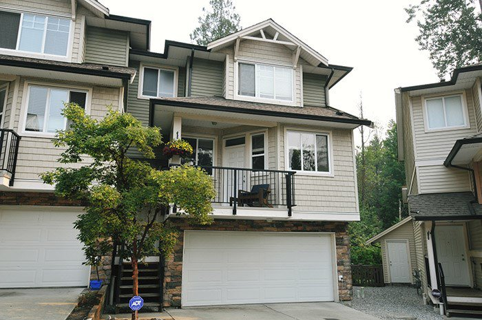 "Main Photo: 46 11720 COTTONWOOD Drive in Maple Ridge: Cottonwood MR Townhouse for sale in ""COTTONWOOD GREEN"" : MLS®# R2194005"