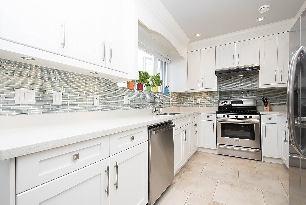 Photo 8: Photos: 1172 E KING EDWARD Avenue in Vancouver: Knight Townhouse for sale (Vancouver East)  : MLS®# R2207116