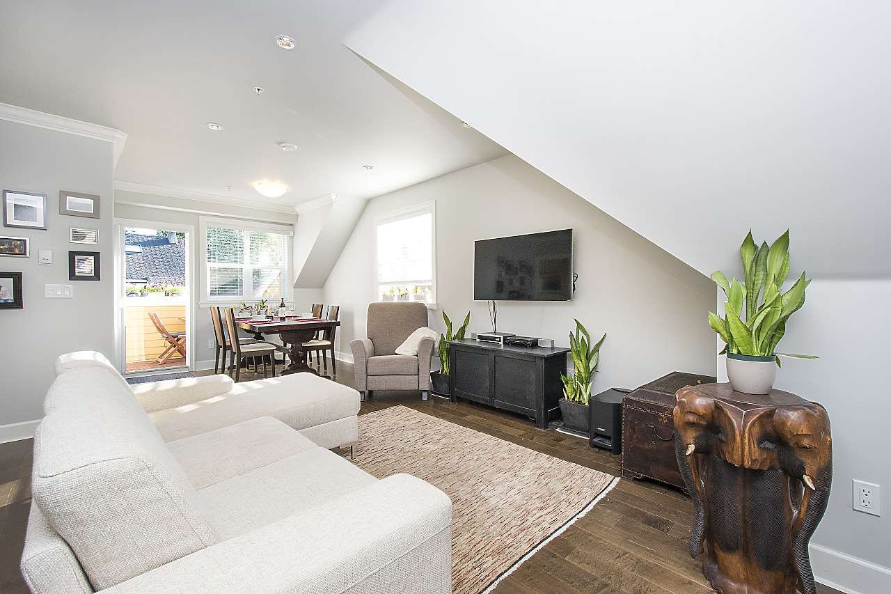 Photo 4: Photos: 1172 E KING EDWARD Avenue in Vancouver: Knight Townhouse for sale (Vancouver East)  : MLS®# R2207116