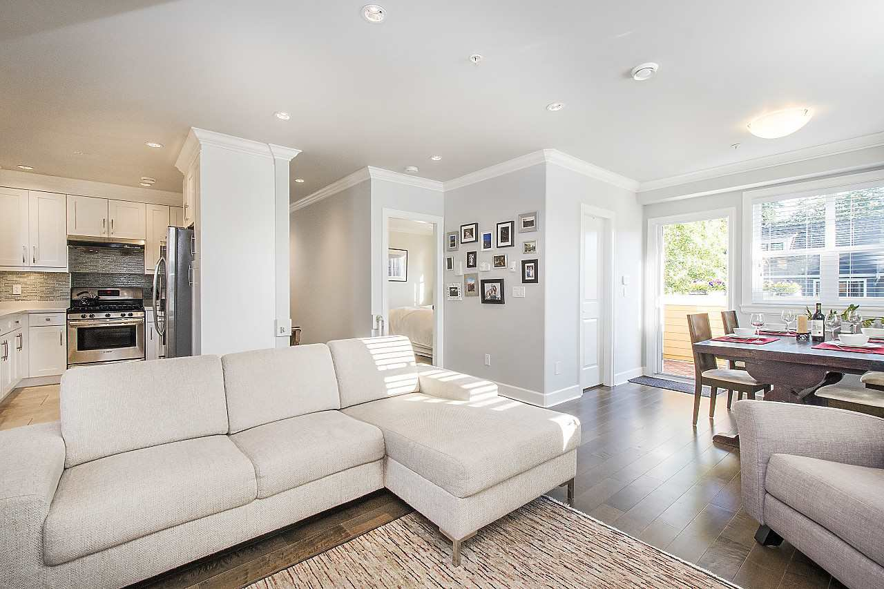Photo 3: Photos: 1172 E KING EDWARD Avenue in Vancouver: Knight Townhouse for sale (Vancouver East)  : MLS®# R2207116