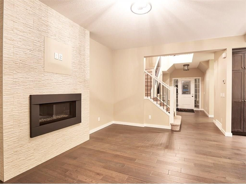 Photo 4: Photos: 318 Bayside Crescent: Airdrie House for sale : MLS®# C4138555