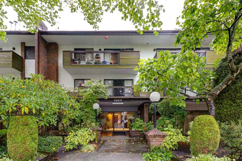 Main Photo: 113 6669 TELFORD Avenue in Burnaby: Metrotown Condo for sale (Burnaby South)  : MLS®# R2214501