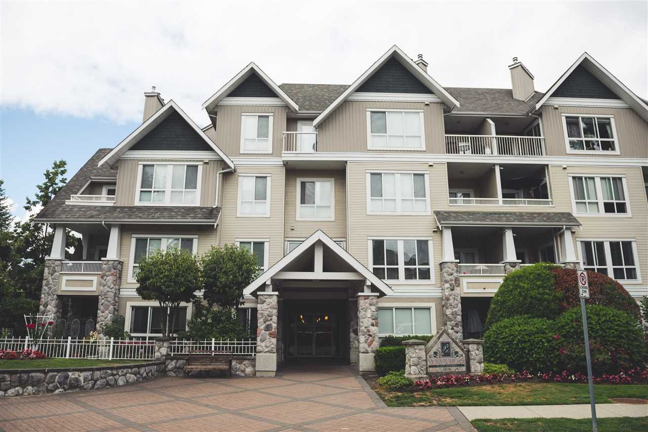 Main Photo: 201 19091 MCMYN Road in Pitt Meadows: Mid Meadows Condo for sale : MLS®# R2224831