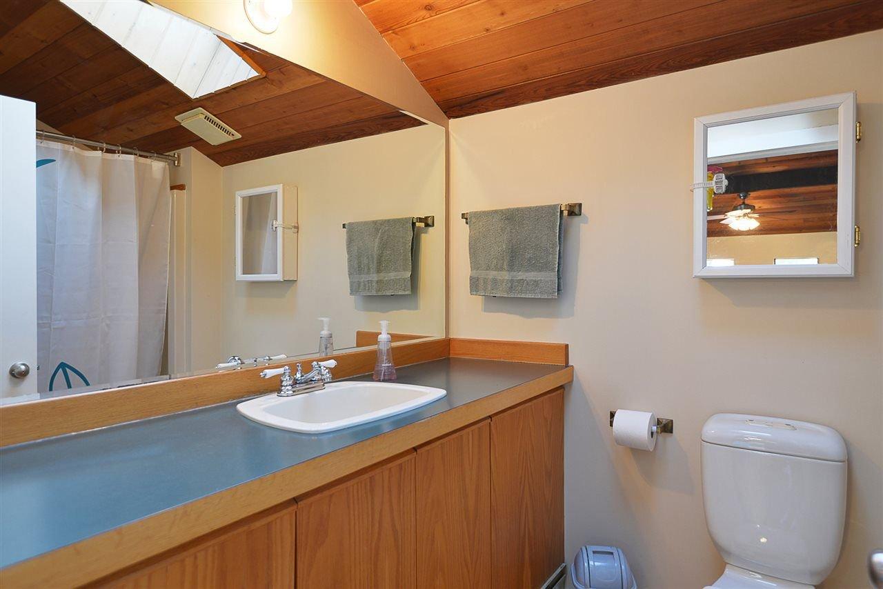Photo 15: Photos: 7977 SOUTHWOOD Road in Halfmoon Bay: Halfmn Bay Secret Cv Redroofs House for sale (Sunshine Coast)  : MLS®# R2246763