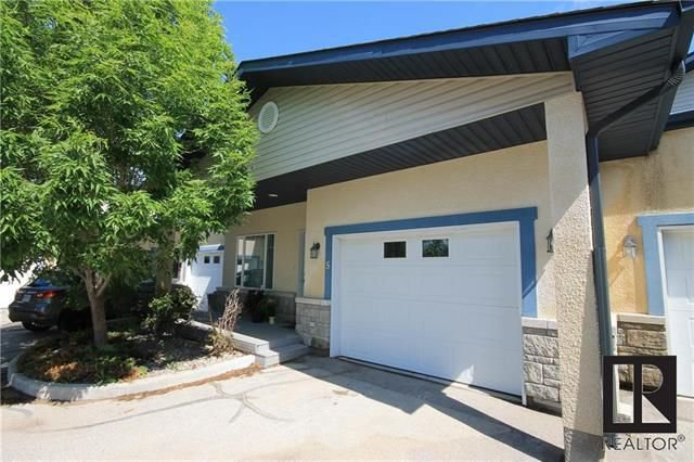 Main Photo: 5 168 Belanger Drive in Lorette: R05 Condominium for sale : MLS®# 1818510