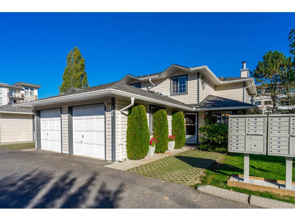 Main Photo: 109 5360 201 Street in Langley: Langley City Townhouse for sale : MLS®# R2314049