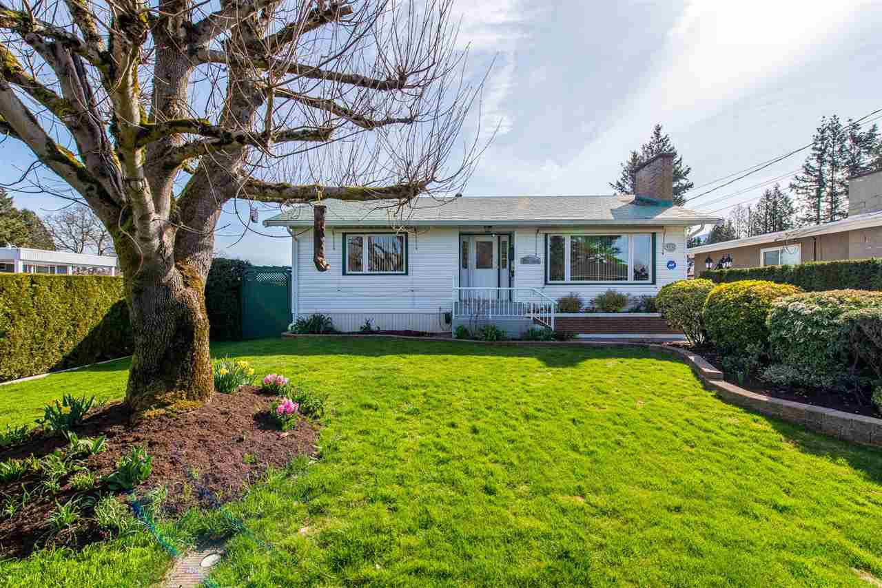 Main Photo: 9330 WINDSOR Street in Chilliwack: Chilliwack E Young-Yale House for sale : MLS®# R2355017