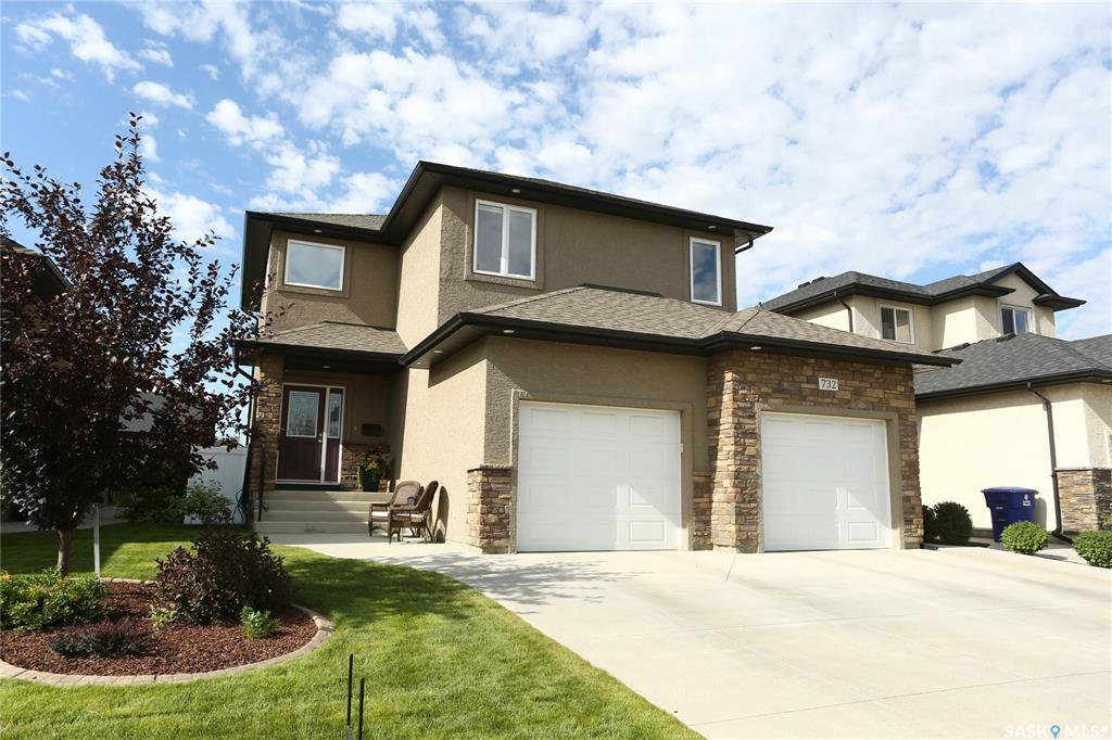 Main Photo: 732 Rempel Cove in Saskatoon: Stonebridge Residential for sale : MLS®# SK771774